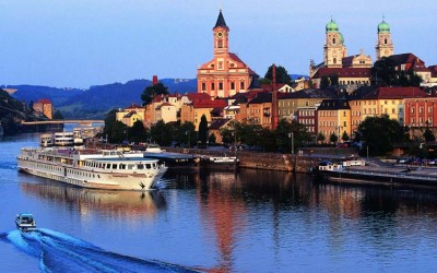 Which Is Right For You? A River Or Ocean Cruise
